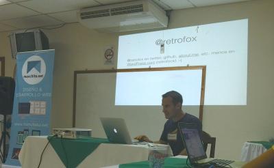 Damián presenting on the WordPress.com REST API.