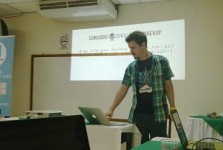 "Mike ""El Tiburón"" Schroder (aka Shredder) presenting on WP-CLI."